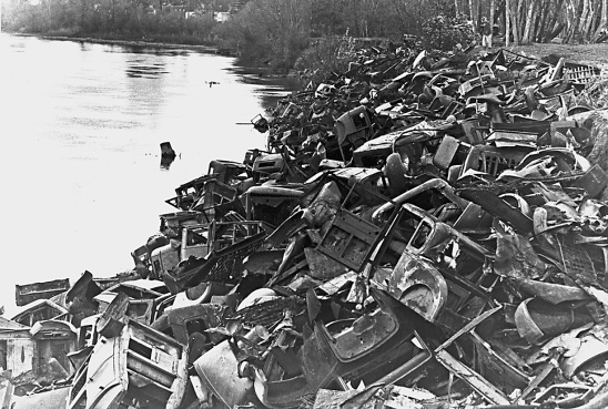 Using auto bodies to prevent bank erosion along the Willamette R